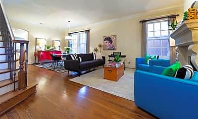 Living Room, 3668 Asbury St, 1
