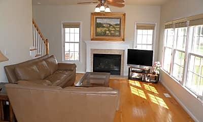 Living Room, 729 Wellingham Dr, 1