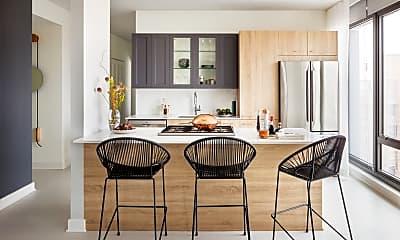 Dining Room, 1035 W Van Buren St 2801, 1