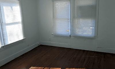 Bedroom, 907 Mississippi St, 2