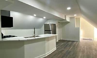 Living Room, 3505 W Montrose Ave, 2