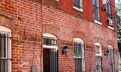 Building, 1307 Linden Ct NE, 1