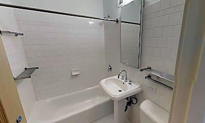 Bathroom, 5535 S Kimbark, 2