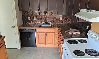 Kitchen, 702 S Oak St, 0