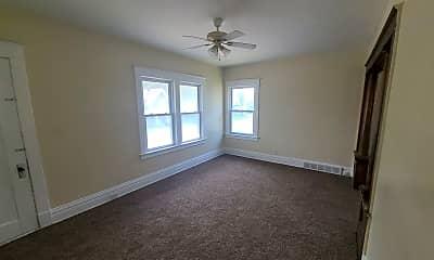 Living Room, 3243 N Detroit Ave, 1