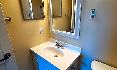 Bathroom, 530 N Eau Claire Ave, 2