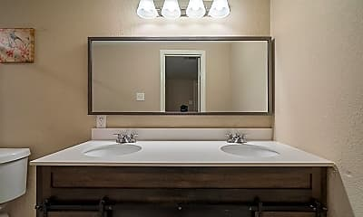Bathroom, Room for Rent - Red Bluff Terrace Home, 1