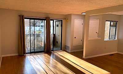 Living Room, 46929 Chemult Cmm, 0