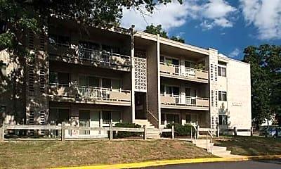 Building, Riverside Plaza, 1