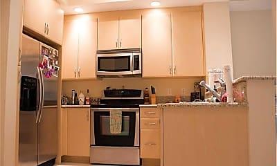 Kitchen, 701 S Olive Ave, 1