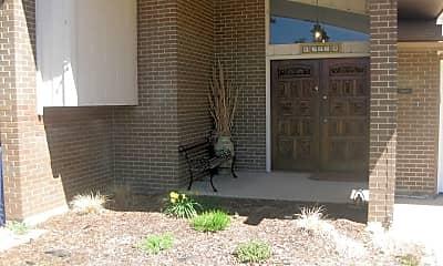 Building, 385 Seminole Dr, 1