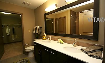 Bathroom, 1300 E Riverside Dr, 1