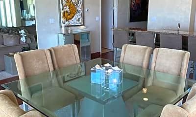 Living Room, 2700 Gulf Blvd, 2