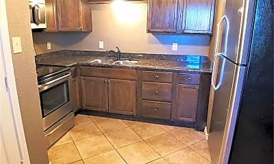 Kitchen, 600 E Rosedale St, 1