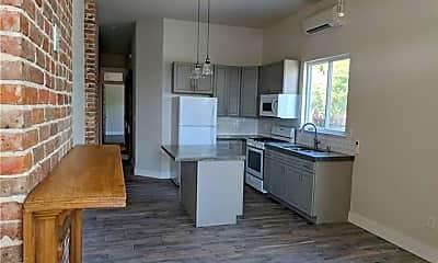 Kitchen, 2701 Lapeyrouse St, 1