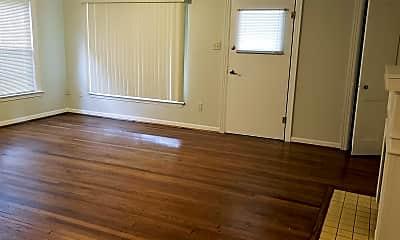 Bedroom, 304 S Valentine St, 1