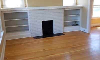 Living Room, 1618 Parkwood Rd, 2