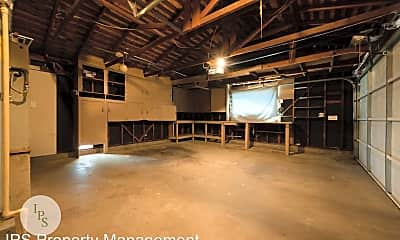 Building, 3817 E Saginaw Way, 2