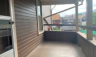 Patio / Deck, 609 Pine St, 2