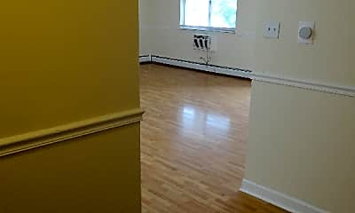 Living Room, 670 Marilyn Ave, 1