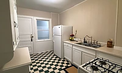 Bathroom, 2900 James Ave S, 2