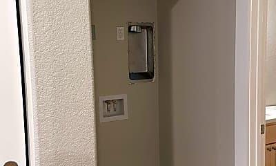 Bathroom, 427 W 23rd St, 2