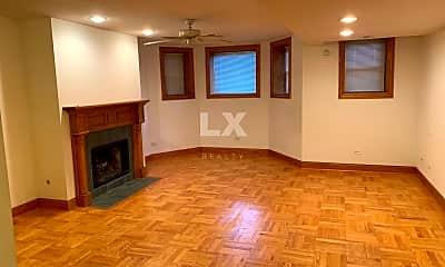 Living Room, 3736 N Sheffield Ave, 1