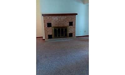 Living Room, 1021 Washington Pl 21, 1