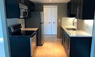 Kitchen, 411 S. Old Woodward Avenue #900, 1