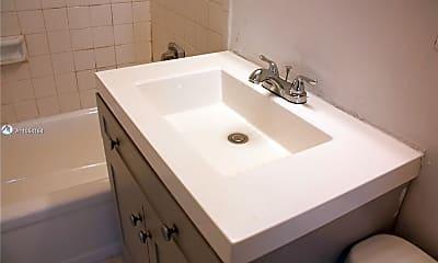 Bathroom, 11098 SW 107th St 209, 2