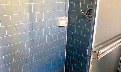 Bathroom, 504 Barcelona Ave, 2