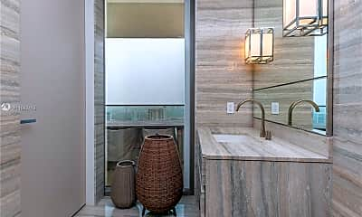 Bathroom, 18975 Collins Ave 3505, 1