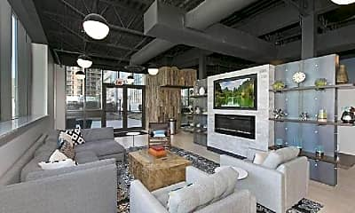 Living Room, 660 W Wayman St, 1