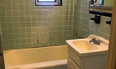 Bathroom, 530 E 234th St, 0