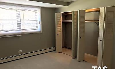 Bedroom, 9016 Lamon Ave, 1