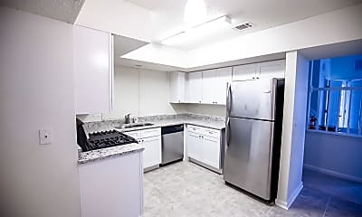 Kitchen, Room for Rent -  a 8 minute walk to bus stop S Hai, 0