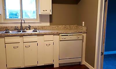 Kitchen, 622 Breman Ave, 2