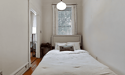 Bedroom, 650 W Wrightwood Ave, 1