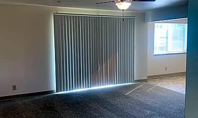 Living Room, 2700 Maple St, 1