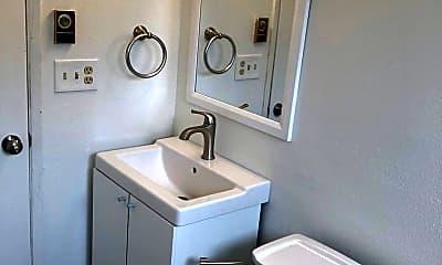 Bathroom, 1126 - 1130 24TH ST, 1