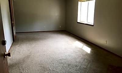 Living Room, 270 Apple Tree Ct, 1