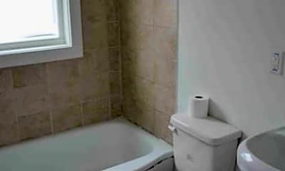 Bathroom, 2817 SE Minnesota Ave, 2