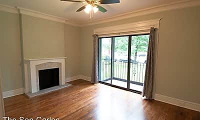 Living Room, 4401 Forest Park Ave, 0