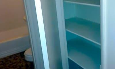 Bathroom, 328 Bellevue Ave E, 2