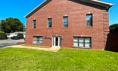 Building, 701 W 7th St, 1