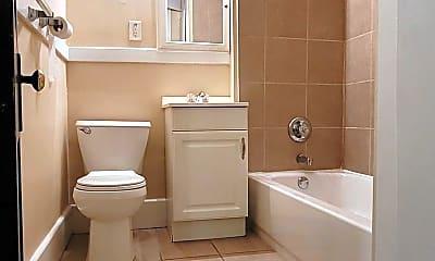Bathroom, 2722 Frankfort Ave, 2