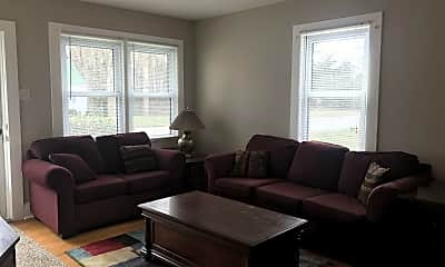 Living Room, 1120 Goodes Ferry Rd, 1