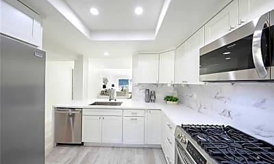 Kitchen, 52 Sea Pine Ln 60, 1