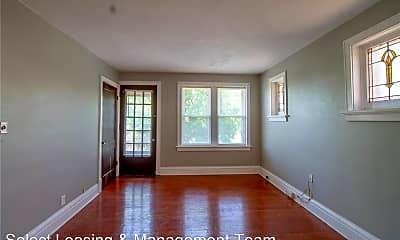 Living Room, 4917 Lindenwood Ave, 0