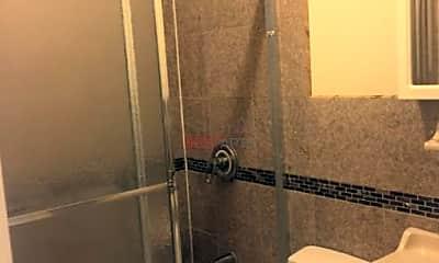 Bathroom, 258 W 135th St, 2